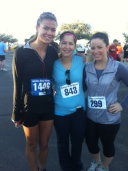 me, my cousin, and courtney at thanksgiving day turkey trot 5k